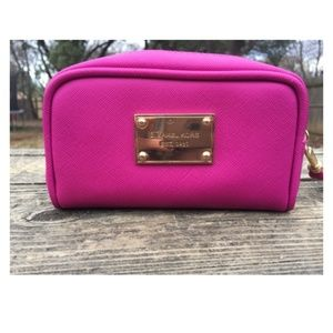 NEVER USED Hot Pink Michael Kors Makeup Wristlet